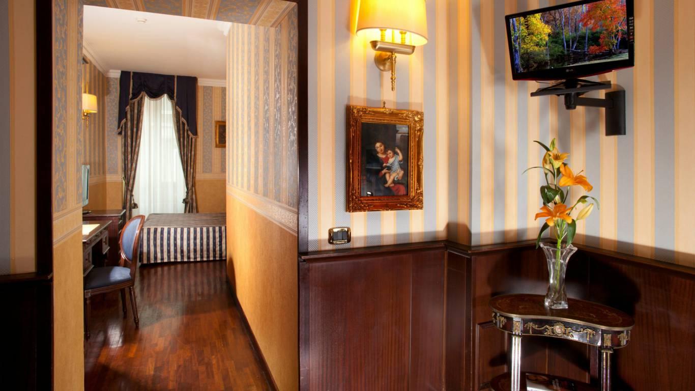 Hotel del corso roma camera superior for Camera roma