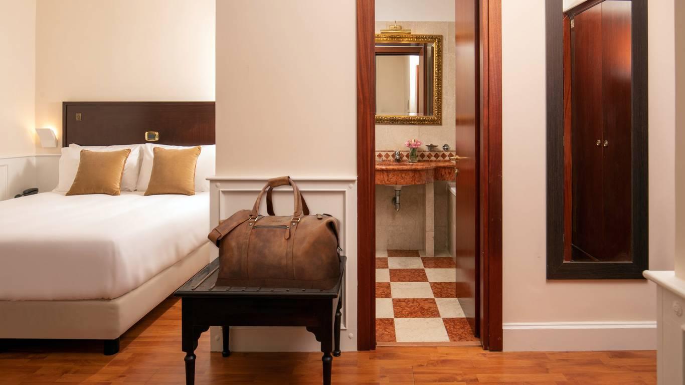 Hotel-del-Corso-Roma-Gallery-2021-camera-IMG-2426