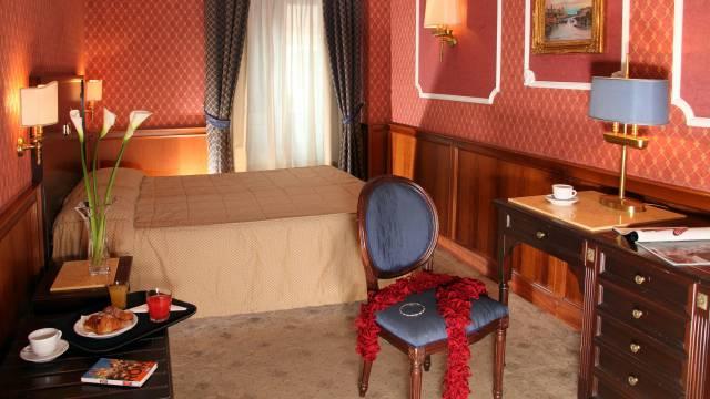 hotel-del-corso-roma-camera-04
