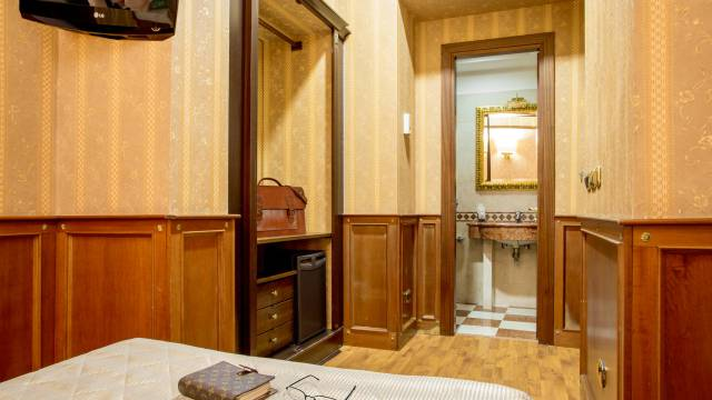 hotel-del-corso-roma-camera-30