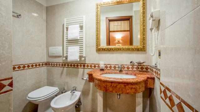 hotel-del-corso-roma-camera-32