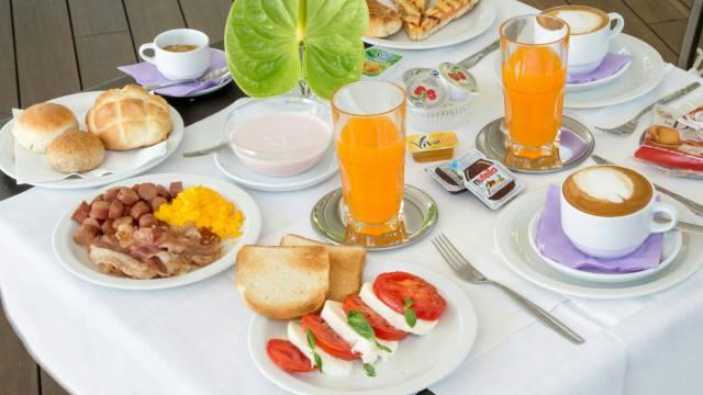 hotel-del-corso-roma-colazione-02