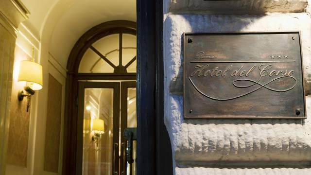 hotel-del-corso-roma-esterno-01