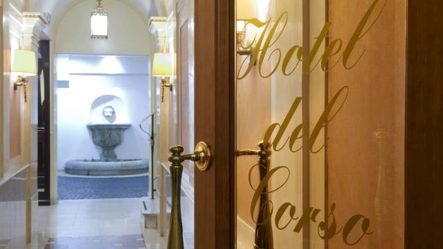 hotel-del-corso-roma-esterno-05