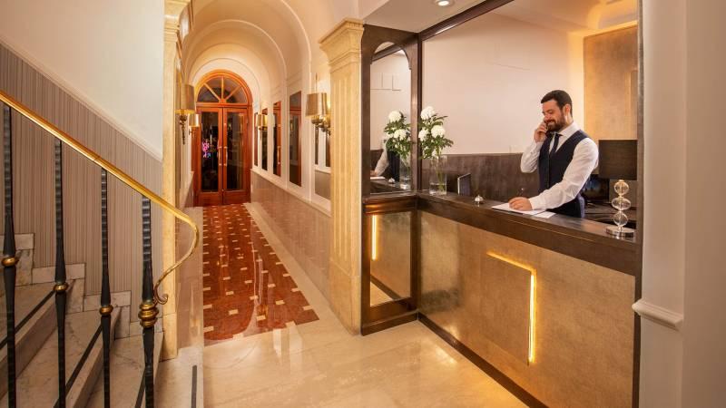 Hotel-del-Corso-Roma-Gallery-2021-reception-IMG-3357