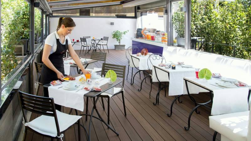 hotel-del-corso-rome-roof-garden-09